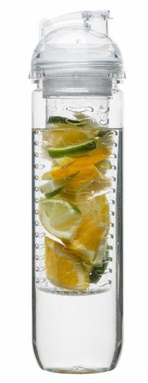 Juomapullo hedelmäpatruunalla, kirkas