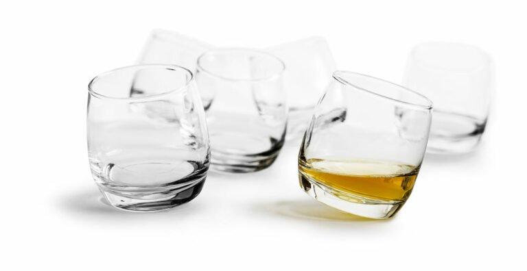 Keikkuvat lasit + juomakivet setti