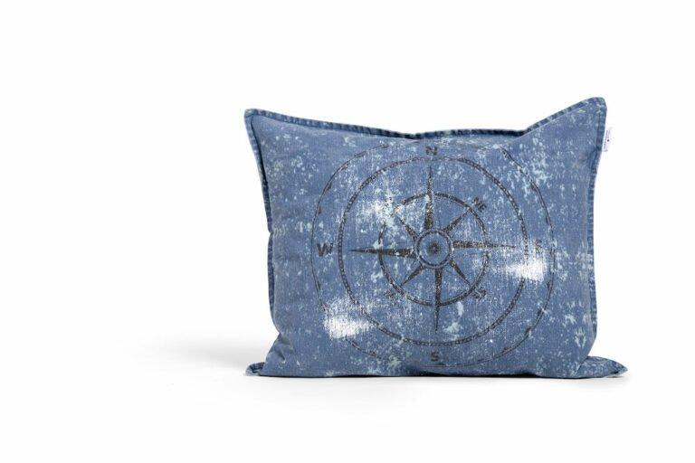 Kompassi tyynynpäällinen