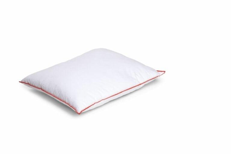 Synteettinen tyyny, korkea